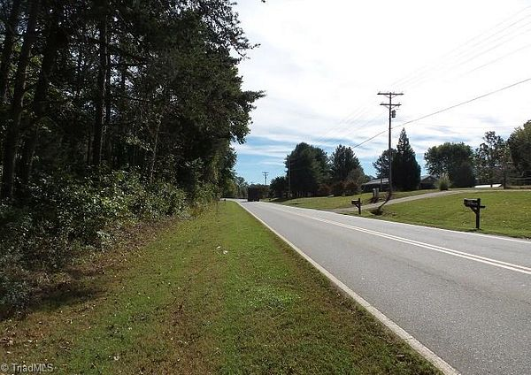 13.2 Acres of Mixed-Use Land for Auction in Elkin, North Carolina