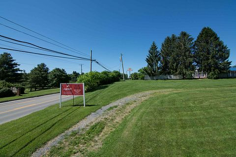 1 Acre of Commercial Land for Sale in Lewisburg, West Virginia