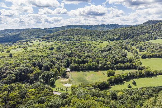 27 Acres of Land For Sale in Christiana, Tennessee
